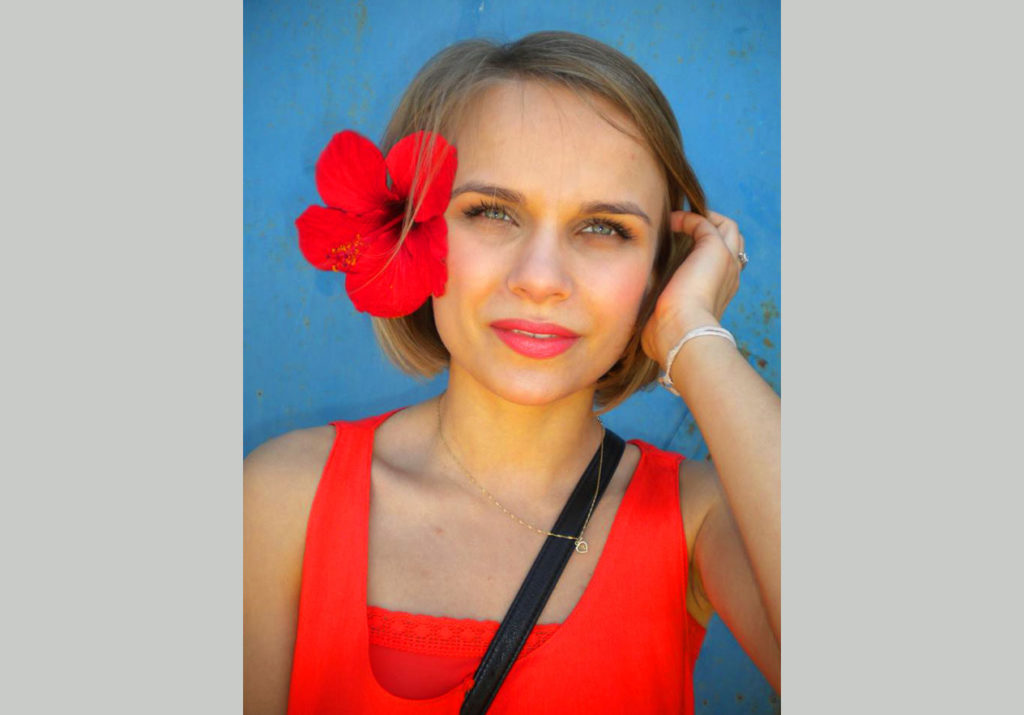 Madzia-G-candid-portrait-SLIDER